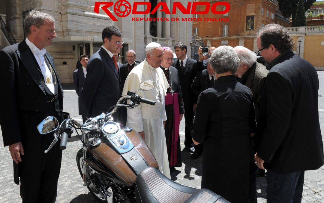 Papa Francisco y las motos